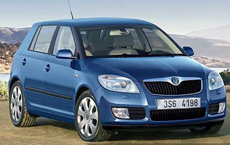 http://www.indiandrives.com/wp-content/themes/indiandrives/images/photo_gallery/skoda-fabia/skoda-fabia7.jpg