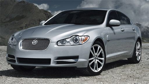 Jaguar XF 3.0D – The big cat takes a leap