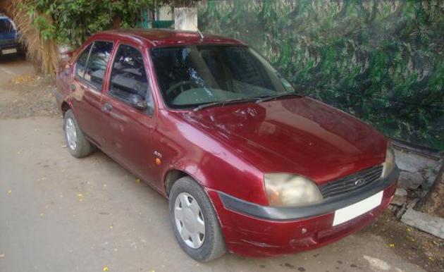 2000 Ford Ikon