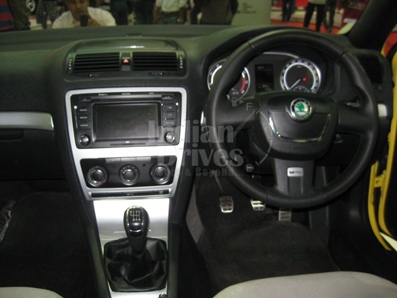 2011 Skoda Laura vRS interior