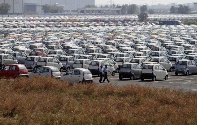 Dip in sales continue to haunt top car manufacturers in India