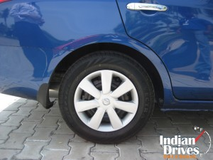 Nissan Sunny wheel