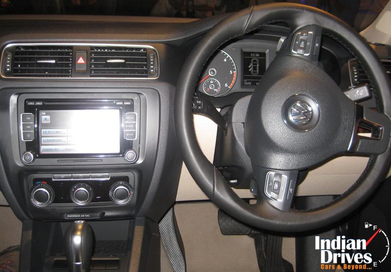2011 Volkswagen Jetta steering wheel