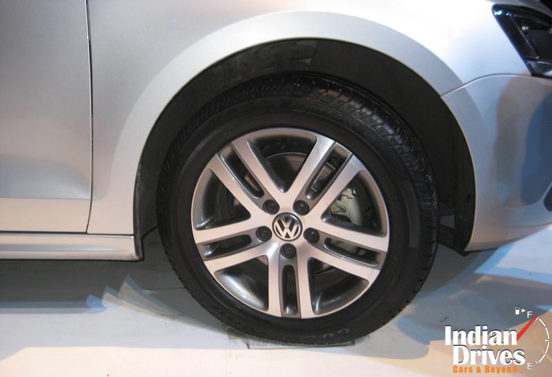 2011 Volkswagen Jetta wheel