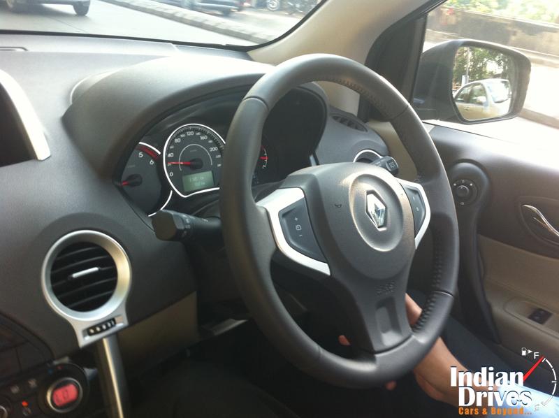 Renault Koleos steering wheel