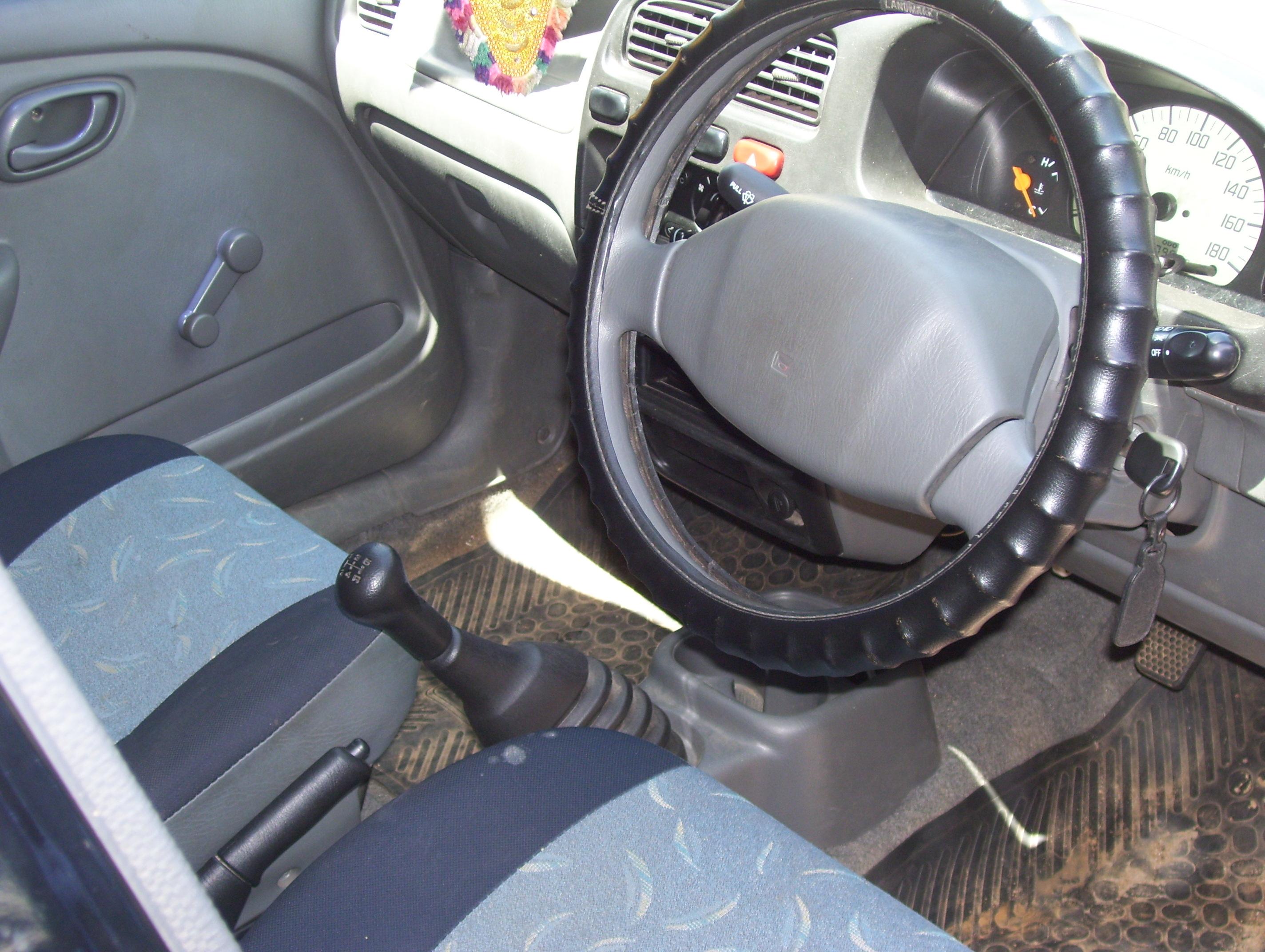 Hyundai Eon Interior Maruti Alto