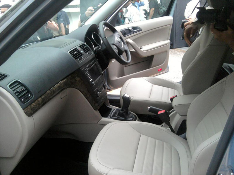 Skoda Yeti 2.0 TDI in India interior