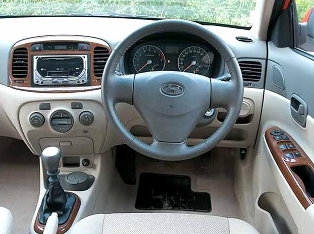 Hyundai Verna interior