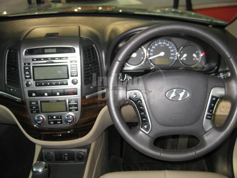 Hyundai Sante Fe interior
