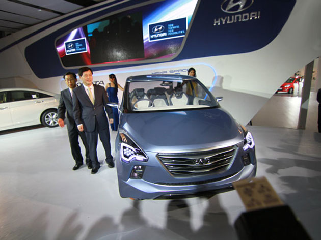 Hyundai unveiled MPV Hexa Space and Hyundai Sonata