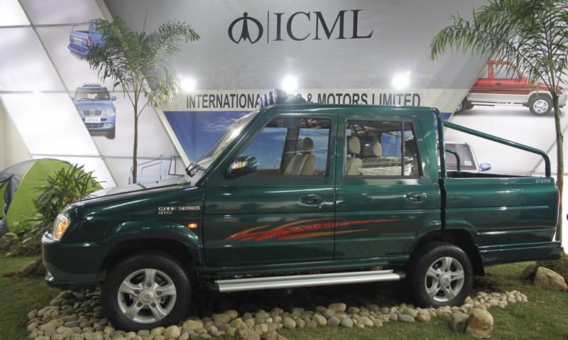 ICML shows Windy and Oyster pickup trucks at Auto Expo