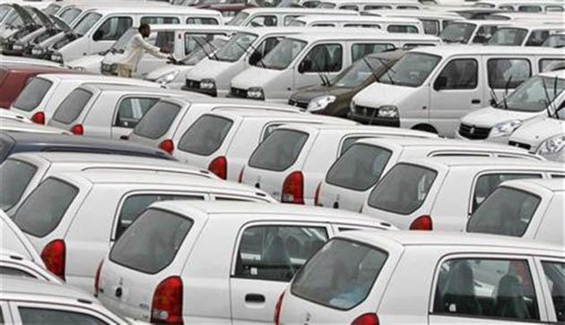 India car sales forecast cut, FY13 seen brighter