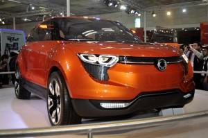 Mahindra Rexton SUV revealed