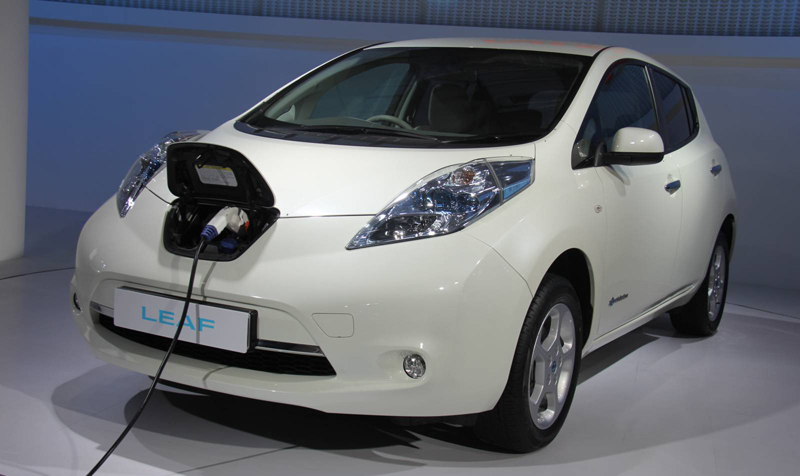 Go Hybrid, Go Green: New Cars with hybrid technology at 2012 Auto Expo