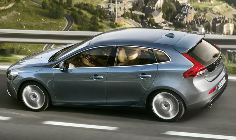2012 Volvo V40 officially revealed