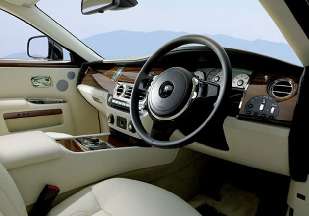 Rolls Royce's fourth dealership in India with Ghost Extended Wheelbase