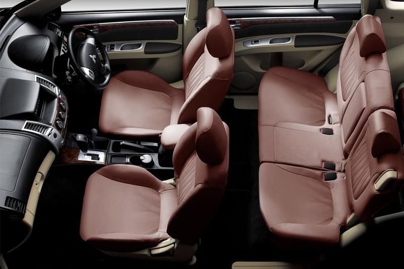 Mitsubishi Pajero Sport 2012 interior