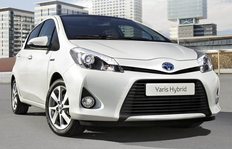 2013 Toyota Yaris Hybrid revealed