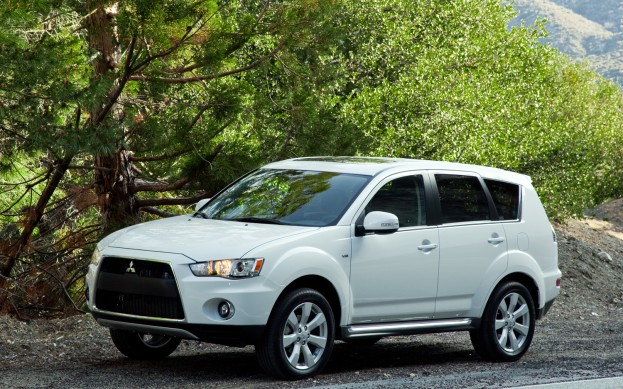 2012 Mitsubishi Outlander priced at Rs 20.55 lacs