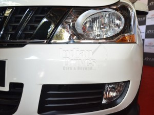 Mahindra Xylo headlight