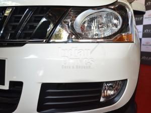 Mahindra Xylo headlight