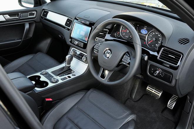 2012 Volkswagen Touareg interior