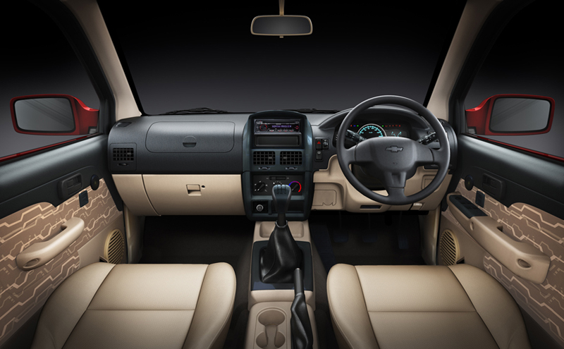 Chevrolet Tavera Neo 3 interior