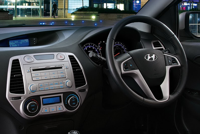 Old Hyundai i20 interior