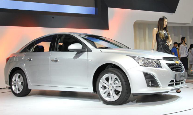 2013 Chevrolet Cruze facelift unveiled at Busan Motor Show