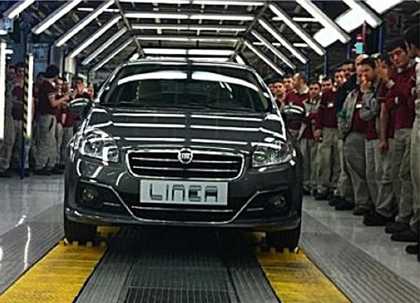 Images of Revamped 2013 Fiat Linea surfaces on the web before launch