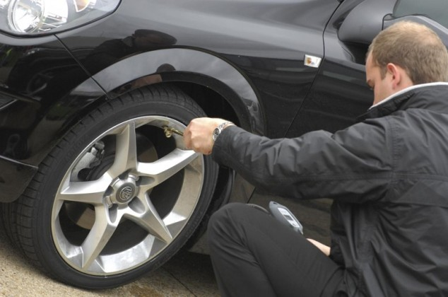Car tyre maintainence