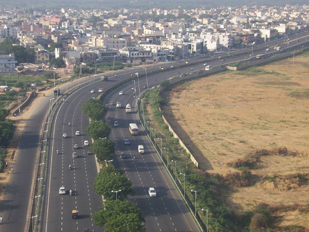 DLF to build 16-lane highway for Gurgaon