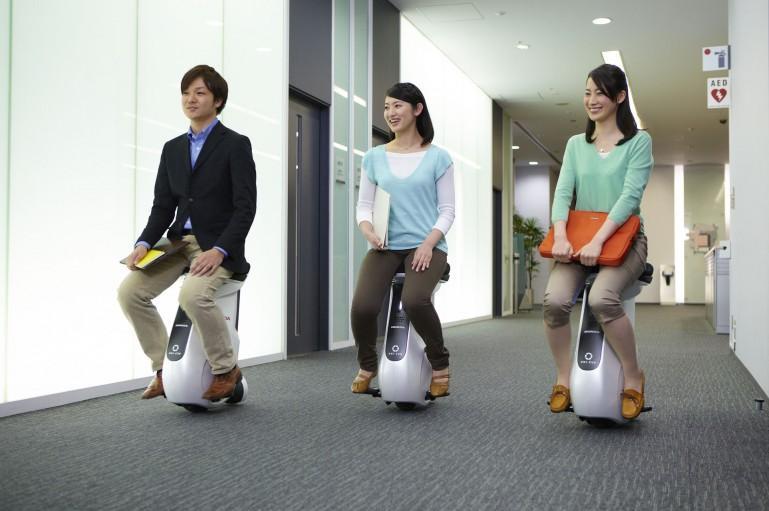 Honda unveils the UNI-CUB mobility device