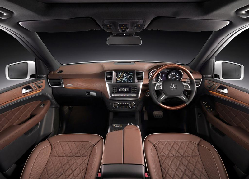 Mercedes Benz ML350 interior