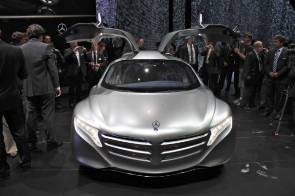 Mercedes-Benz planning two hydrogen fuel-cell vehicles