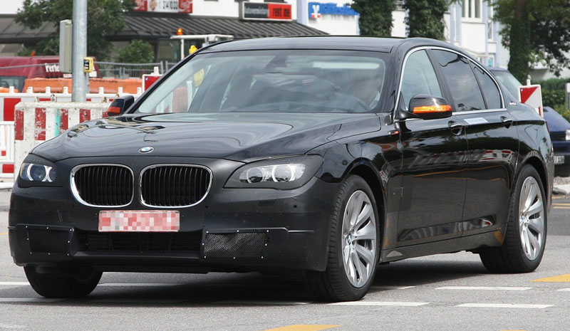 2013 BMW 7-Series facelift adds few extra ponies