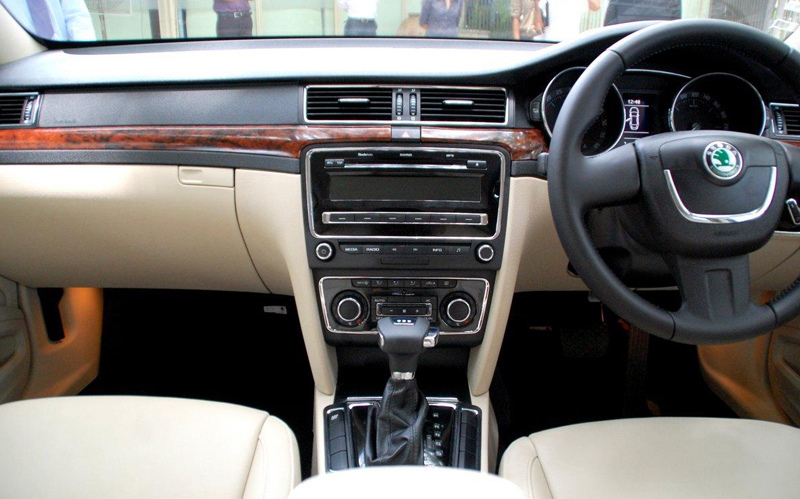 Skoda Superb Ambition interior