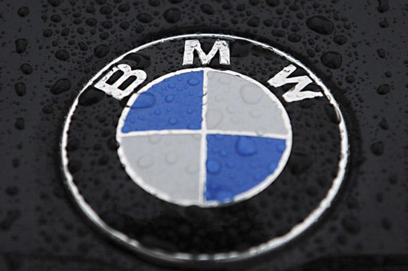 BMW At Work on 7-Speed Manual Transmission
