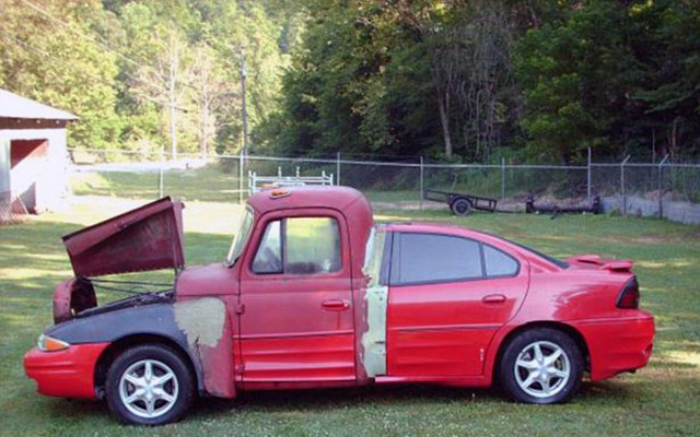 Most Bizarre Car of the World Up For Sale OnThe Web