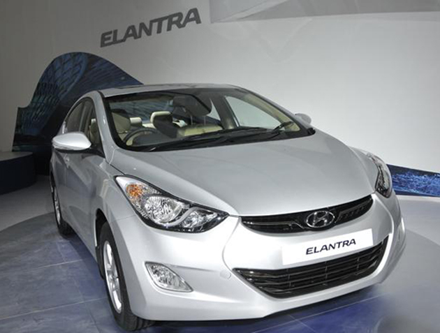 Hyundai India Starts Bookings for the New Fluidic Elantra Sedan
