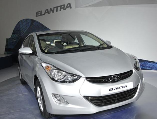 Hyundai India Starts Bookings for the New Fluidic Elantra Sedan