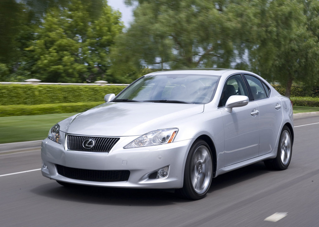 2014 Lexus IS to be debuted in 2013 Detroit Auto Show