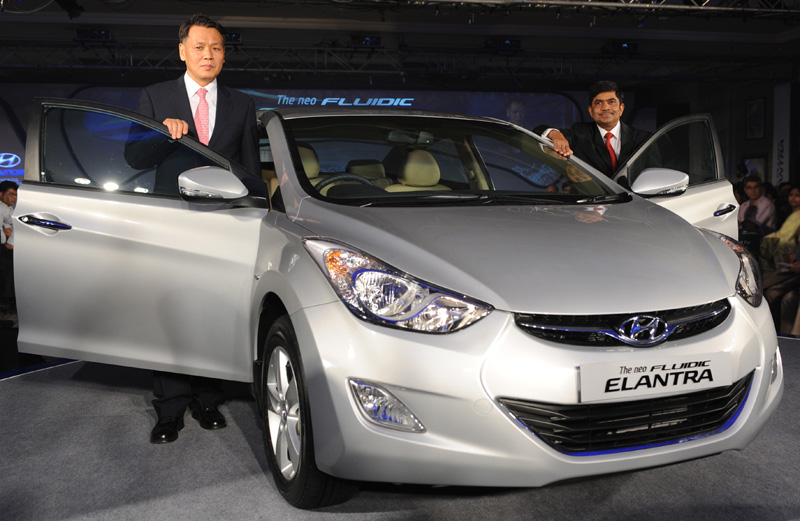 Hyundai Elantra Fluidic launched for Rs.12.51 lakhs