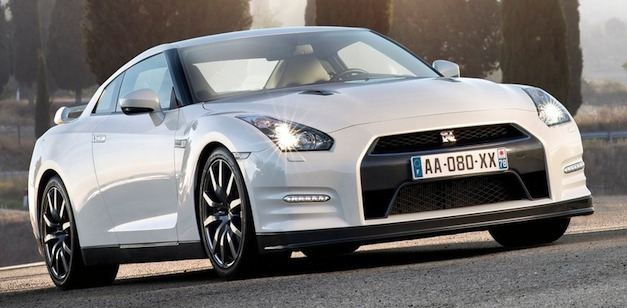 Nissan GT-R hybrid will come in 2018 Report
