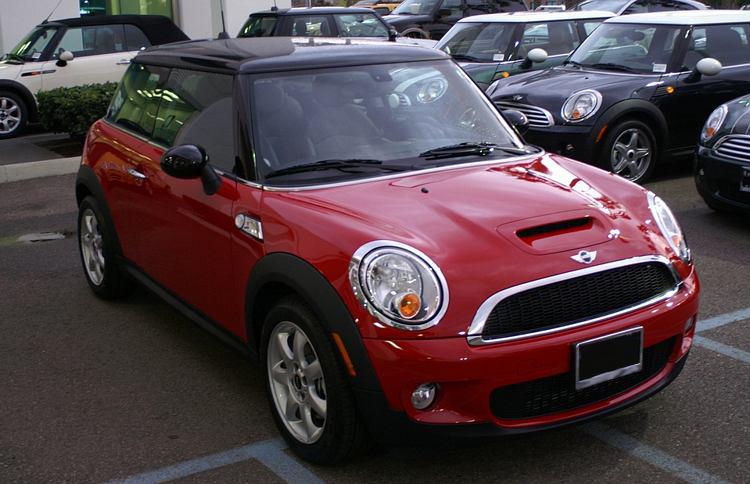 Mini Cooper Sells 241 Vehicle Units In 2012