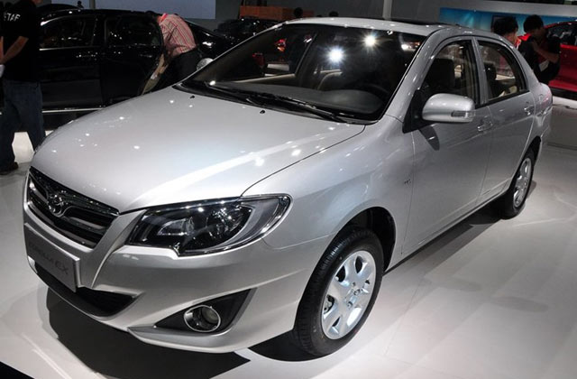Toyota Corolla Facelift To Be Presented in Guangzhou Auto Show