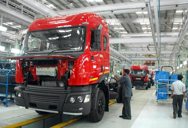 M&M allocates three years to Navistar to churn out profit