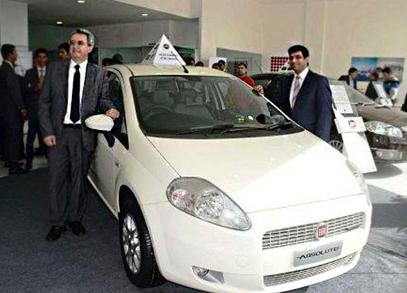 Fiat India opens its first Exclusive dealership in Punjab