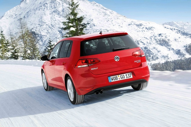 Volkswagen Golf 4Motion AWD back view