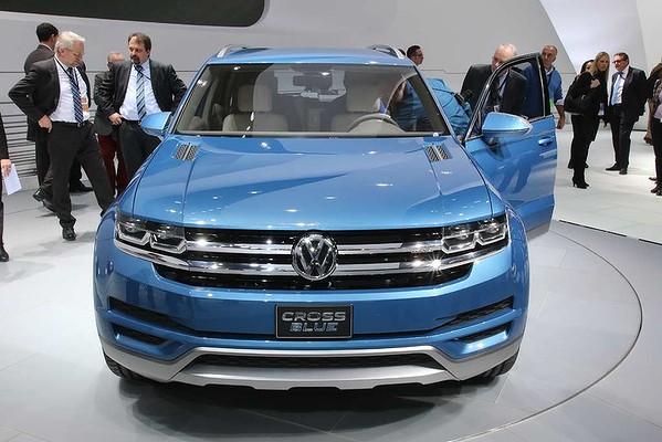 Volkswagen reveals its Cross Blue Concept